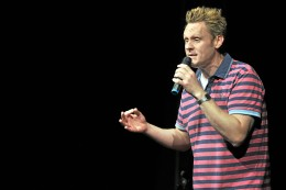 programmaenderung:-wenzel-statt-huehnerfeld-beim-comedy-arts-festival-in-moers